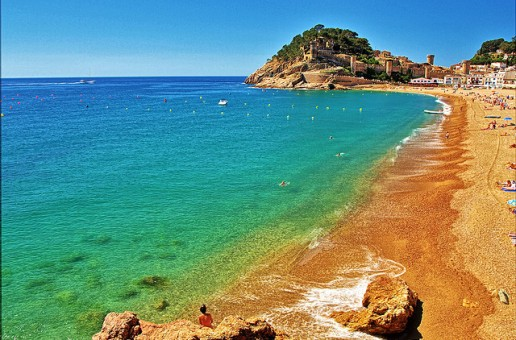 Going to Spain this summer? Get a discount card and save £150 on holiday!